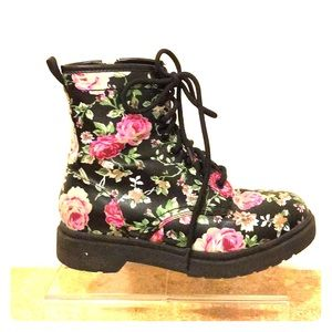 Mossimo Supply Co Floral Ankle Boots 6